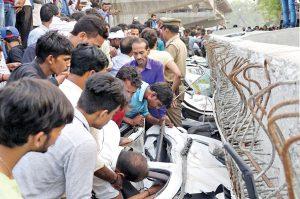 politics-in-india-varanasi-flyover-incident