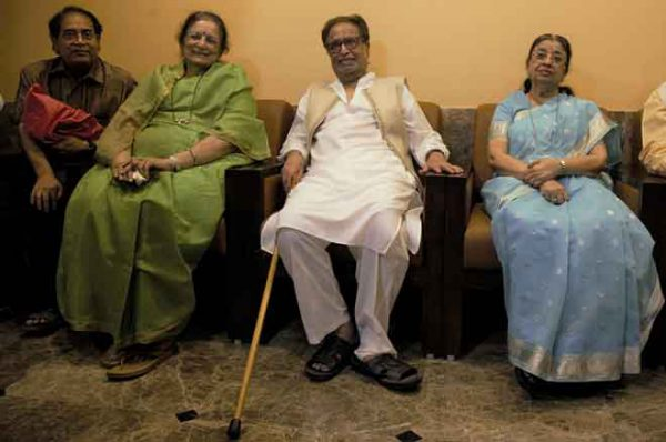 Avinash-Prabhavalkar-Bharati-Mangeshkar-Hridaynath-Mangeshkar-Usha-Mangeshkar-Adinath-Mangeshkar-at-the-announcement-of-Master-Deenanth-Mangeshkar-Smruti-Pratishthan-Awards-2019
