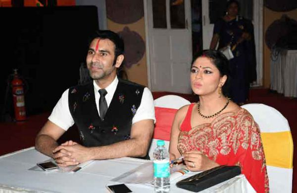 -Sandip-Soparkar-with-Kavita-Kaushik-DSC_4929-00