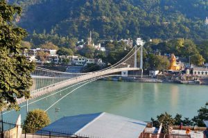Places-to-Visit-in-Rishikesh_