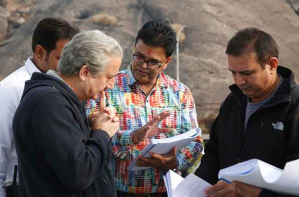Director-Ashok-Nanda-with-Anupam-Kher-and-Kumud-Mishra-explaining-scene-on-set-of-movie-One-Day-00